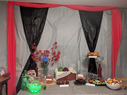 Game of Thrones table food decor